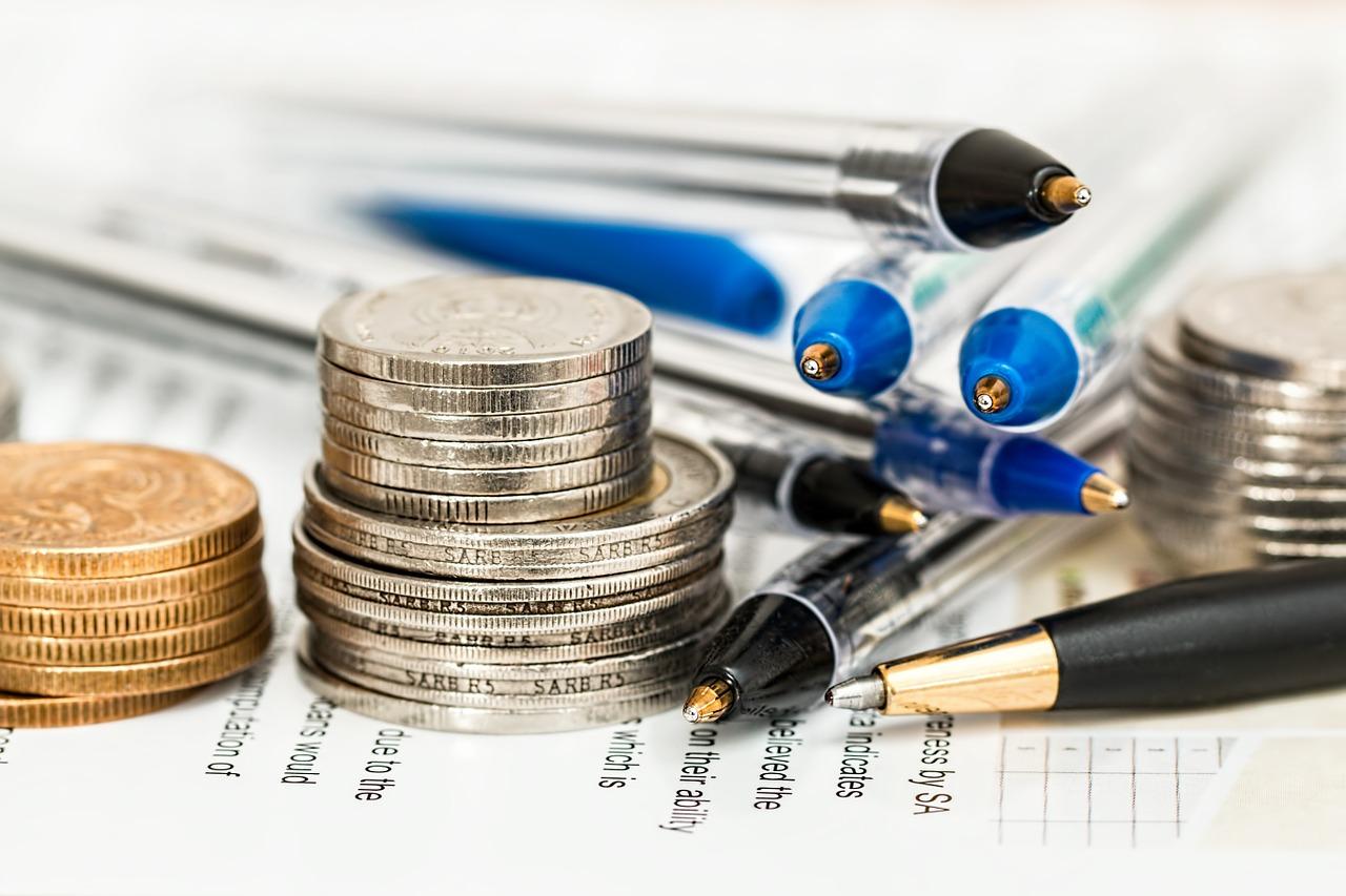 ブックメーカーで税金を払うケースは?|確定申告の方法と節税対策